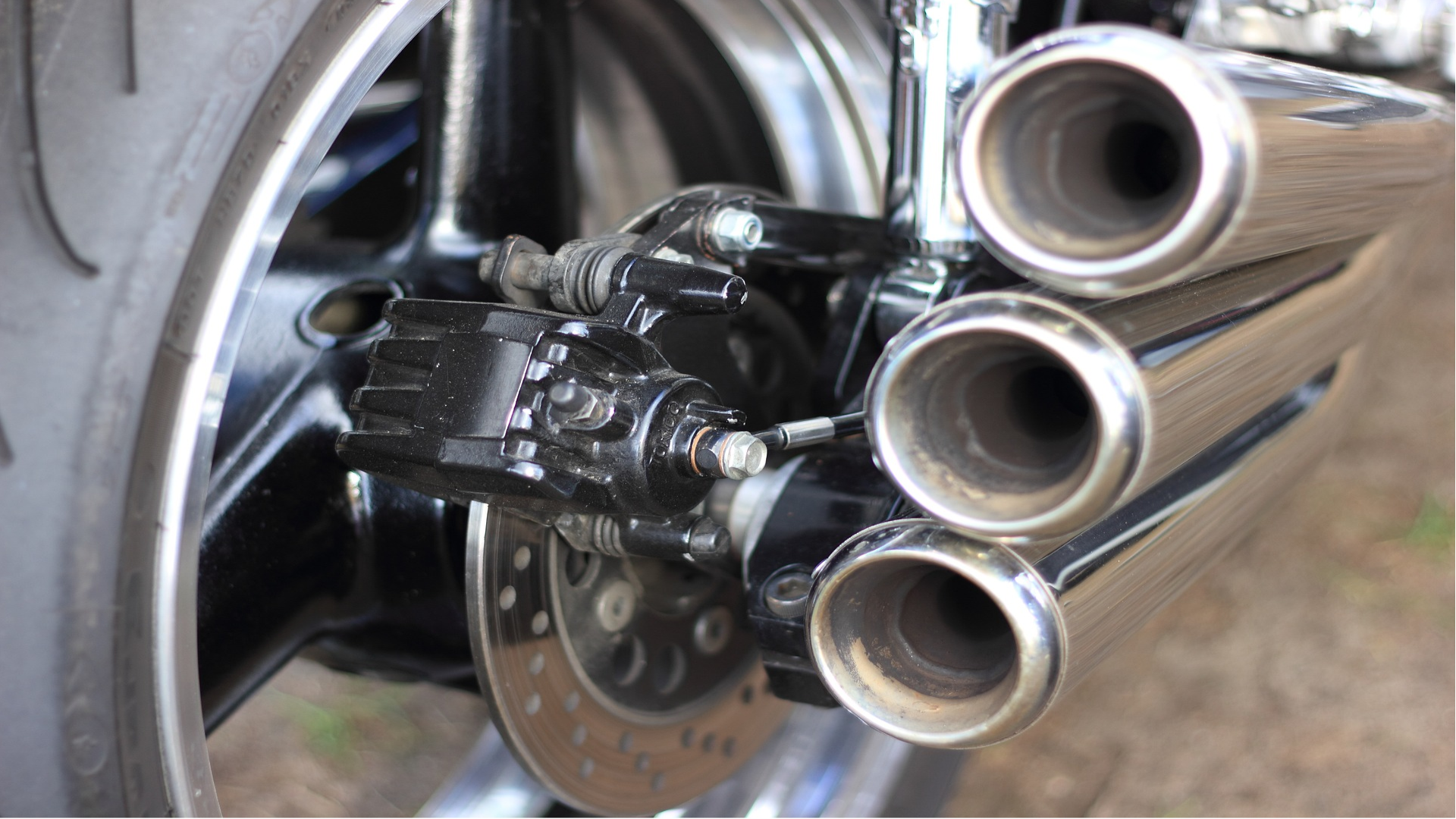 engine exhaust systems consist of many elements